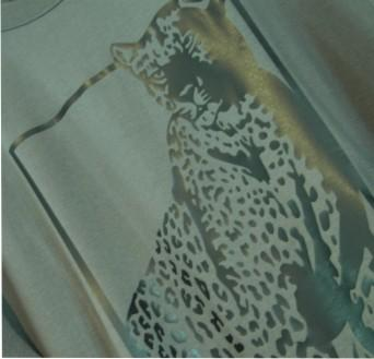 tiger tee close up angled